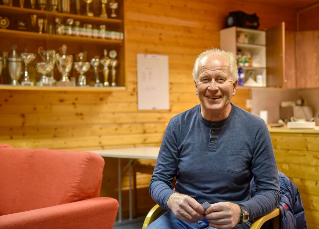 John Gautestad på årsmøtet til Otra IL 21. mars 2019, etter å ha blitt tildelt Otra ILs Ærespris. Foto: Geir Daasvatn